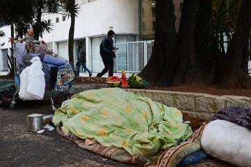 Pobreza, desigualdade e trabalho informal aumentam letalidade da Covid-19, diz estudo da UFPB