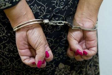 mulher algemada - 'OPERAÇÃO VERBERATUS': mulheres são presas suspeitas de tortura e crimes no município de Remígio
