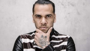 naom 5f0da65ca3ff7 300x169 - Daniel Alves cita pior momento da carreira e quer se aposentar no Bahia