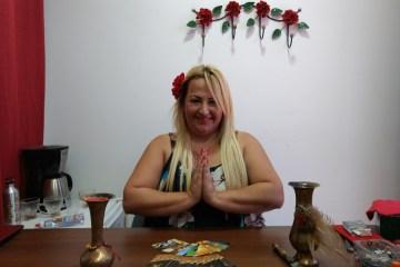 sarah zaad em seu consultc3b3rio no bairro de campo grande rio de janeiro foto thais de lima - CIGANA PREVÊ E SINALIZA QUESTÕES: vacina contra a Covid-19, impeachment de Bolsonaro e caso Marielle; confira