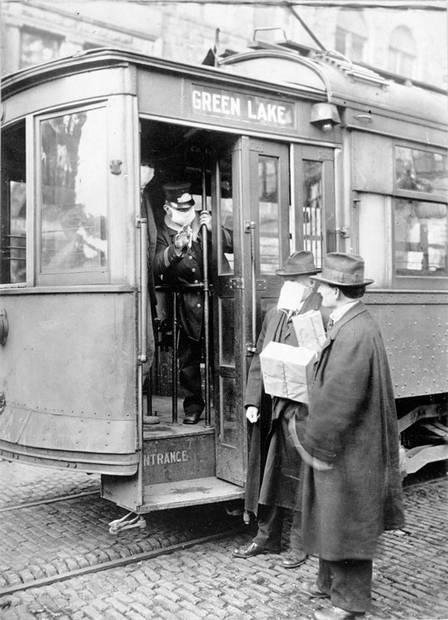 xblog influenza.jpg.pagespeed.ic .xoVs 8YKfe - Homem é barrado no transporte público por não usar máscara... em 1918