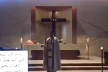 20200804221209405002i - Padre é atingido por escombros de igreja durante explosões no Líbano - VEJA VÍDEO