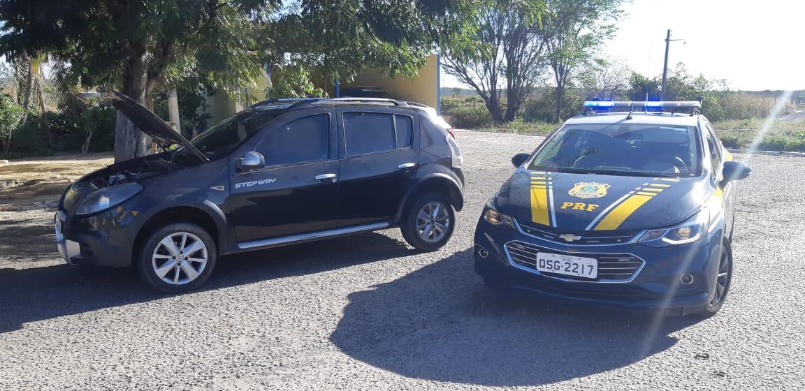 21feebde 04e1 4435 bb1d de5715390414 - Homem é preso pela PRF por comprar carro roubado em Recife