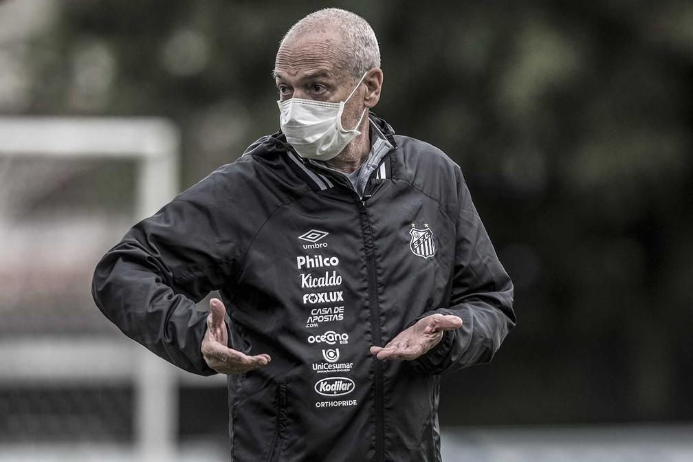 50173954723 b6266ed94d o - Sob risco de demissão, Jesualdo emenda pior sequência no Santos às vésperas do Brasileiro