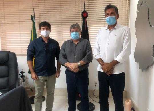 BÍBLIA - Em audiência com Ricardo Barbosa, João Azevêdo garante realização de obras em Lagoa de Dentro