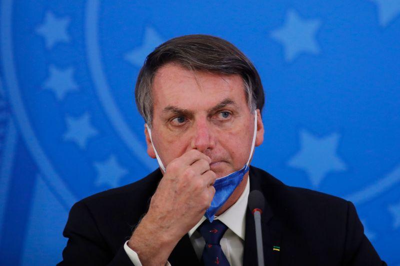BolsonaroVirus - 'Conversinha', diz Bolsonaro sobre alertas de segunda onda