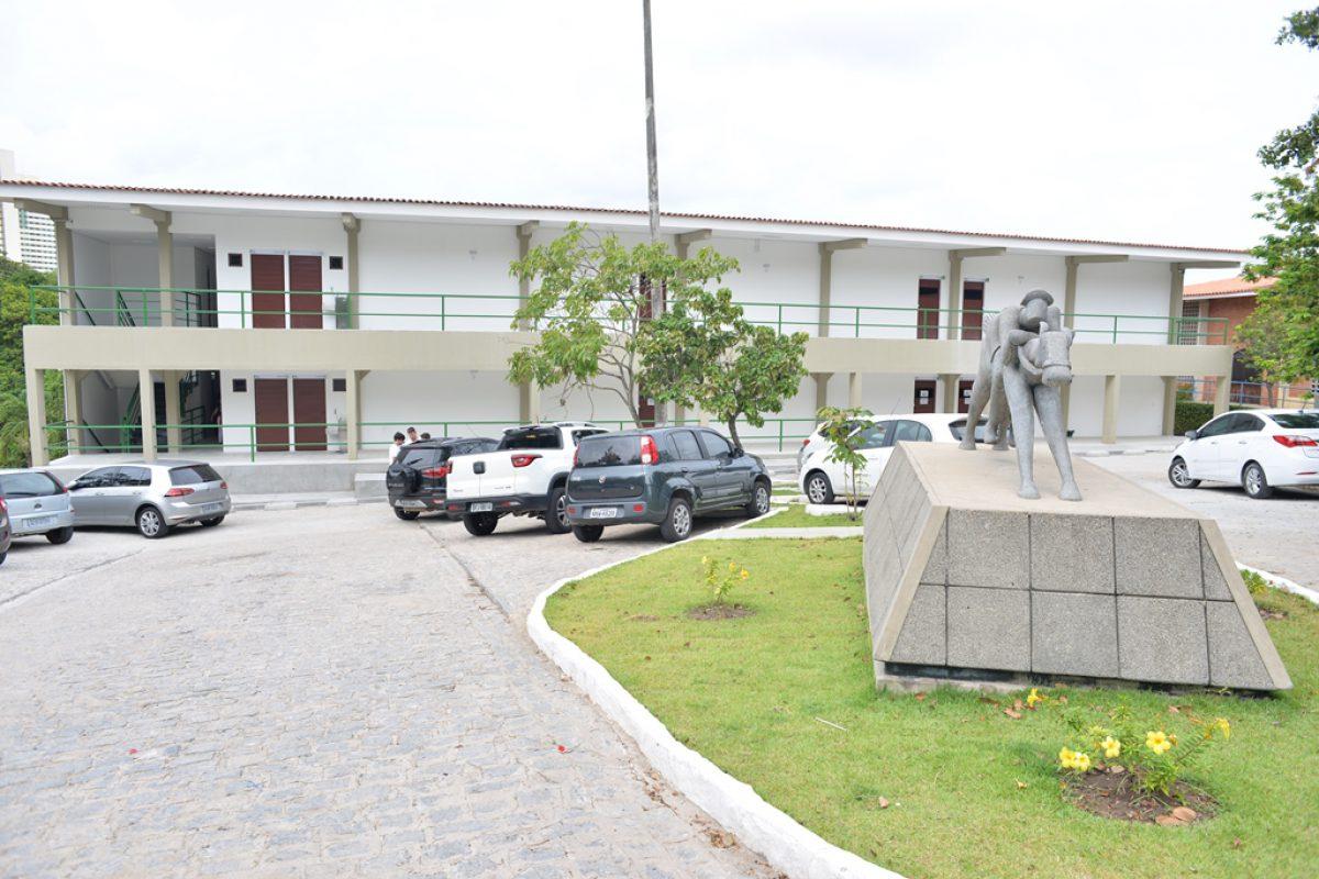 DSC 7878 1200x800 1 - Após denúncia dos alunos de medicina, Unipê afirma que vai divulgar datas de retorno das aulas presenciais