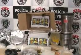 Mulher é presa, laboratório é fechado e Polícia apreende 50 kg de drogas em Campina Grande