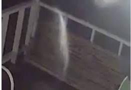 Vídeo mostra 'fantasma' de marido no dia que mulher estava morrendo