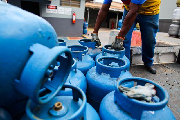 gas de cozinha - SÉTIMO AUMENTO: Preço do gás de cozinha aumenta e deve custar até R$ 90 na Paraíba, diz sindicato