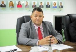 """ELEIÇÃO EM BAYEUX: Inaldo Andrade acusa vereadores de participar de reunião 'clandestina': """"Lamentável a postura de alguns"""""""
