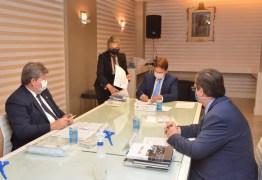 SISTEMA CARCERÁRIO: João Azevêdo e Márcio Murilo assinam termos de parceria voltada a privados de liberdade