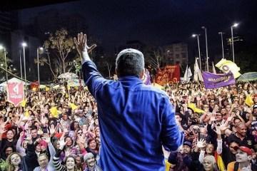 """Sem comícios por causa da pandemia, partidos querem liberação de """"livemício"""" durante campanha"""