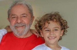 """lula neto 910x594 e1551459703541 300x196 - """"Blogueira"""" que comemorou morte do neto de Lula é, na verdade, um homem escondido em perfil fake"""