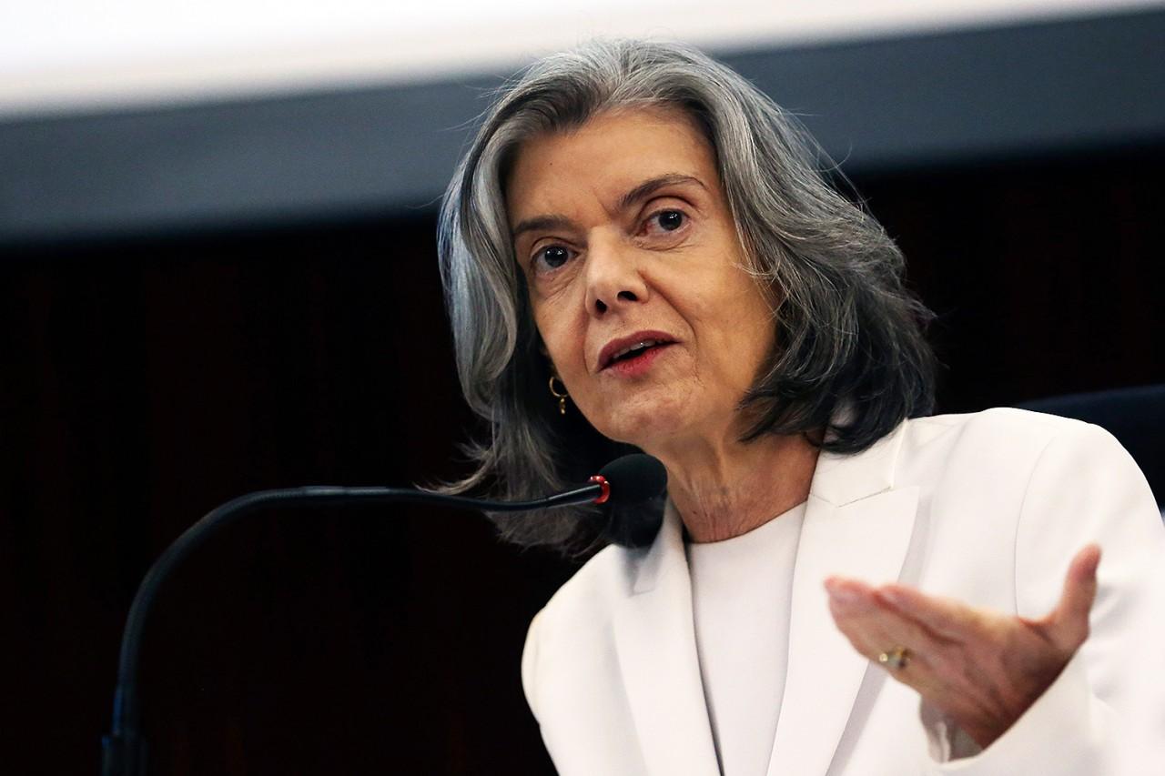stf carmen lucia - Cármen Lúcia dá 48 horas para ministro da justiça explicar dossiê contra servidores