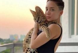 Modelo gasta R$ 2.800 por mês só com alimentação de gata híbrida 'viciada' em sushi – VEJA VÍDEO