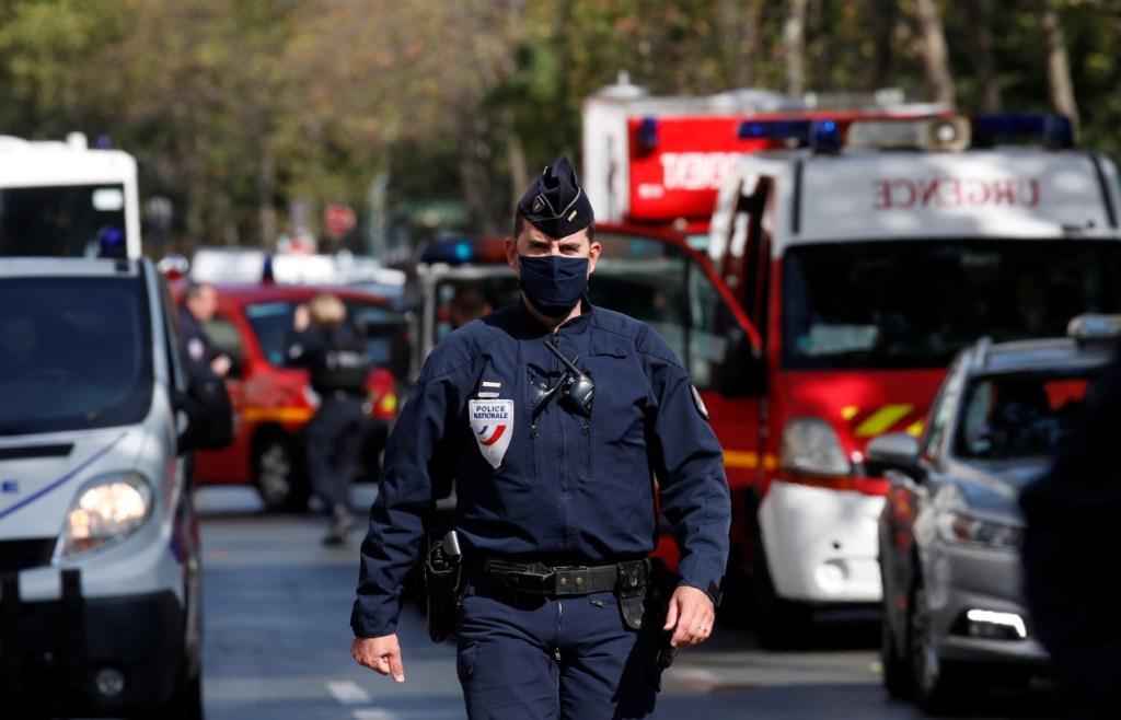 15433 60C9CC8FA5CA97E9 1024x658 - Ataque em Paris deixa 2 feridos perto do antigo escritório do 'Charlie Hebdo'