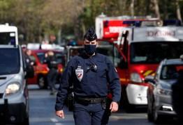 Ataque em Paris deixa 2 feridos perto do antigo escritório do 'Charlie Hebdo'