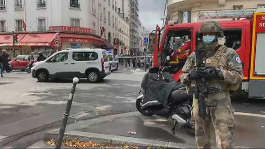 15435 484C21C0F0E6E631 1024x576 - Ataque em Paris deixa 2 feridos perto do antigo escritório do 'Charlie Hebdo'