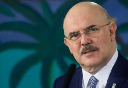 Ministro diz que bloqueio de R$ 1,5 bi se deve 'em grande parte' para pagar emendas