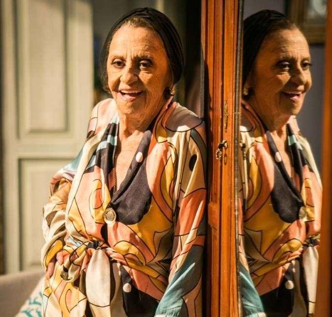 BB18ZrrG - Laura Cardoso faz 93 anos de idade e dispara: Não vou parar nunca, aposentadoria é um horror!
