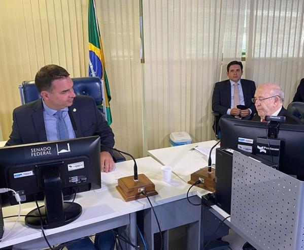 FLÁVIO BOLSONARO NEY SUASSUNA - Flávio Bolsonaro dá posse a Ney Suassuna no Senado: 'uma honra'