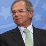 Jair Bolsonaro e Paulo Guedes em solenidade cropped - Parasitas? Guedes é condenado a pagar 50 mil pela comparação que fez com servidores