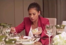Grávida, Simone vai jantar na casa de jogador e pede marmita para levar pra casa – VEJA VÍDEO