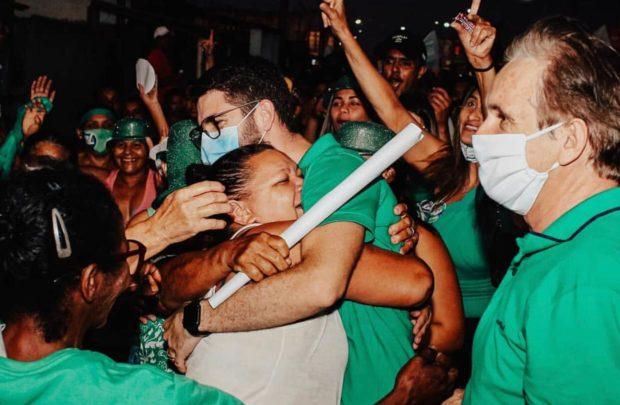 ad03c1d1 5257 4b61 a12e f7558b509589 620x405 1 - Lucas Romão inicia campanha em Pedras de Fogo e é abraçado pela população do bairro Santo Antônio