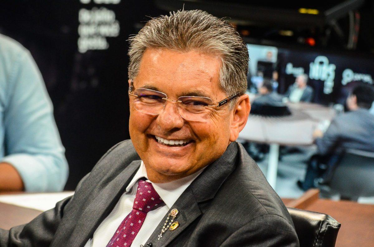 """adriano galdino - """"Foi o primeiro governador que abriu diálogo com o Poder Legislativo"""", diz Galdino ao destacar participação de Azevêdo na aprovação de emendas impositivas"""