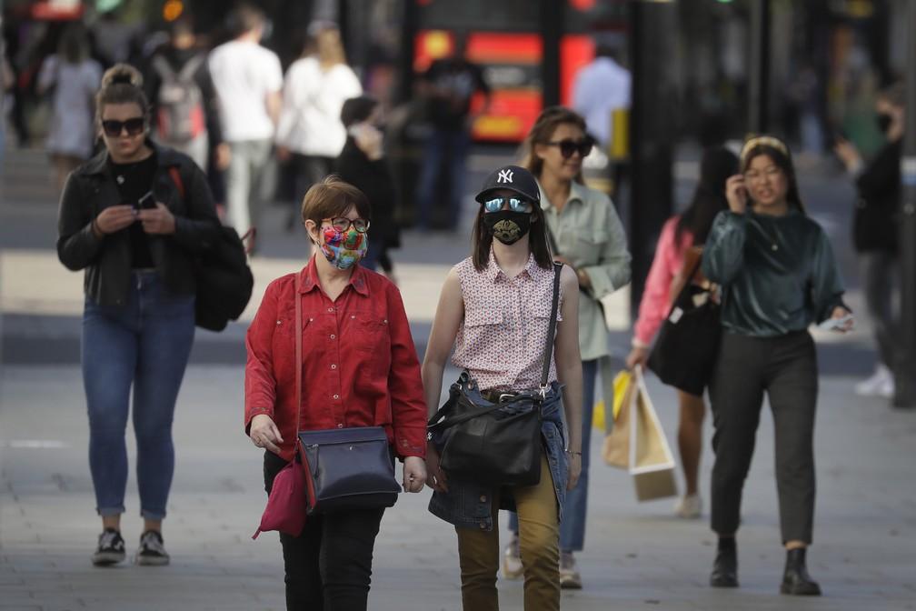 ap20265489459947 - Novo lockdown atinge mais de 13 milhões de britânicos