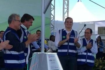 bolsonaro1809 e1600435597943 - Bolsonaro quebra protocolo e faz deferência especial ao prefeito de Campina Grande