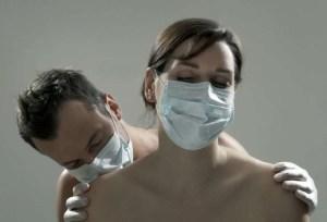 casal sexo 300x204 - Chefe da saúde pública do Canadá recomenda sexo com máscara e sem beijo