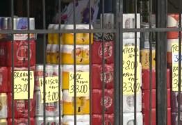 Bandidos assaltam clientes em depósito de bebidas em Campina Grande