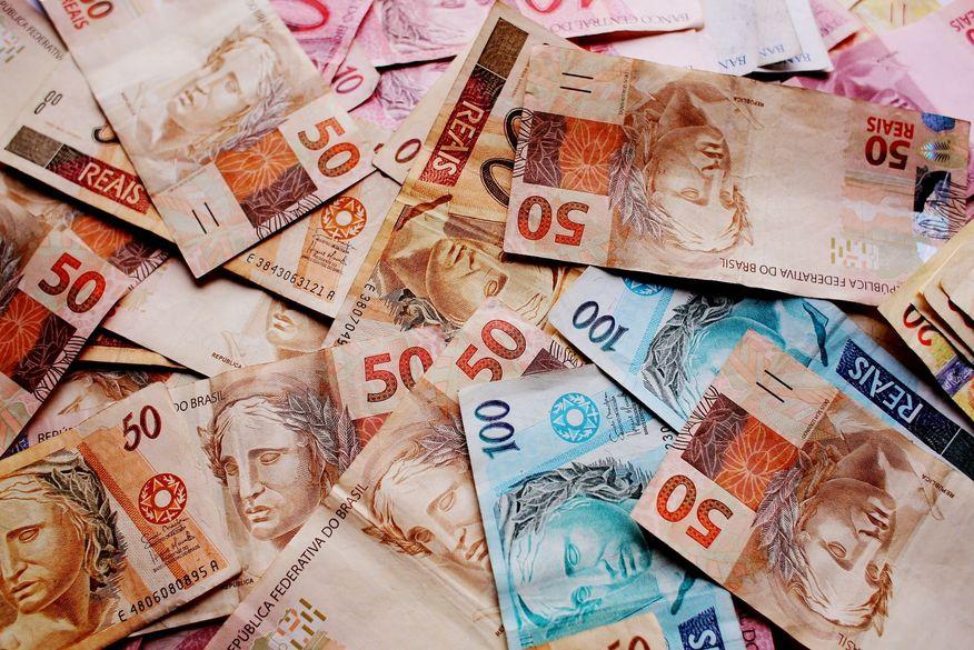 dinheiro notas reais foto pixabay - Investimento no Brasil será o menor desde os anos '80, aponta FGV