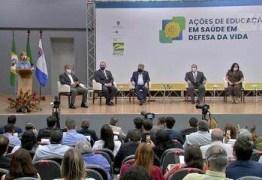 Evento do governo federal com ministros descumpre decreto contra a covid-19