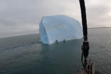 exploradores quase sao esmagados por iceberg no polo norte 1600819792704 v2 450x337 - Iceberg vira repentinamente e quase esmaga exploradores no Polo Norte