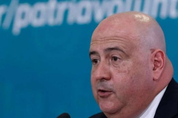 INDICAÇÃO DE FÁBIO FARIA: Bolsonaro troca comando da EBC e nomeia ex-diretor do SBT, Glen Lopes Valente