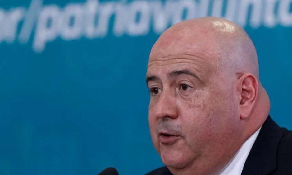 glen lopes valente - INDICAÇÃO DE FÁBIO FARIA: Bolsonaro troca comando da EBC e nomeia ex-diretor do SBT, Glen Lopes Valente