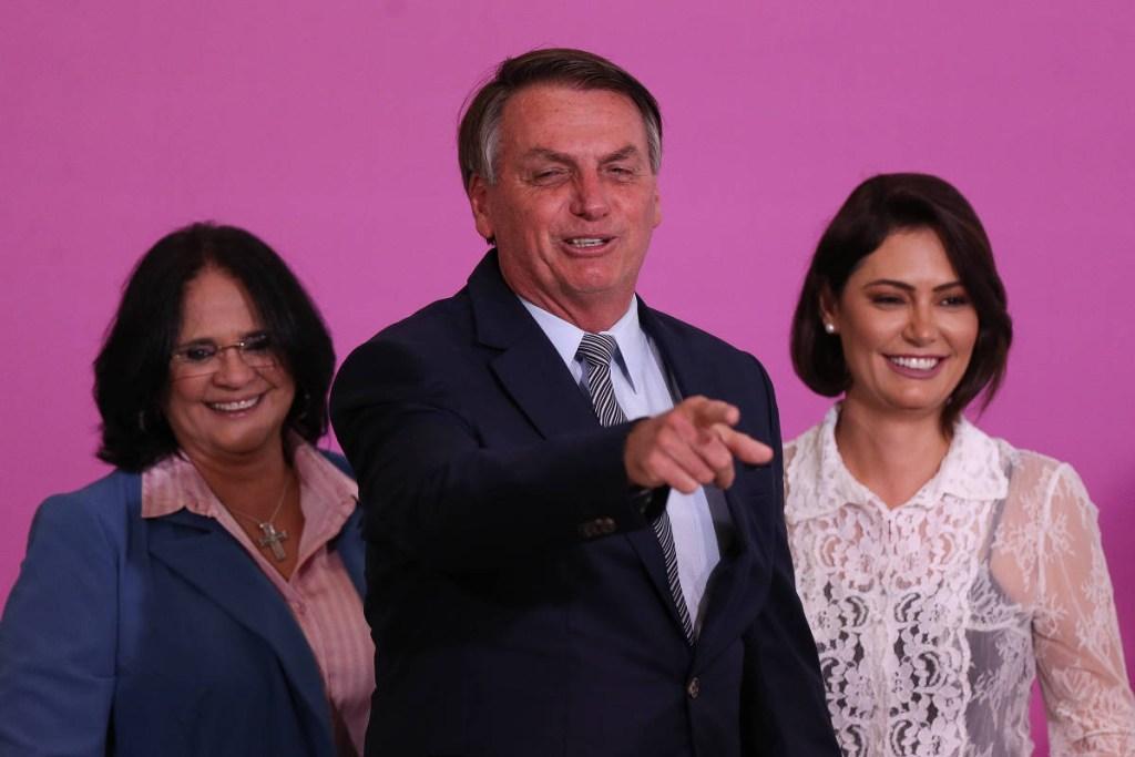 16014317655f73e8d51c08d 1601431765 3x2 xl 1024x683 - R$ 7,5 MILHÕES: Programa liderado por Michelle Bolsonaro repassa doações a ONGs aliadas de Damares