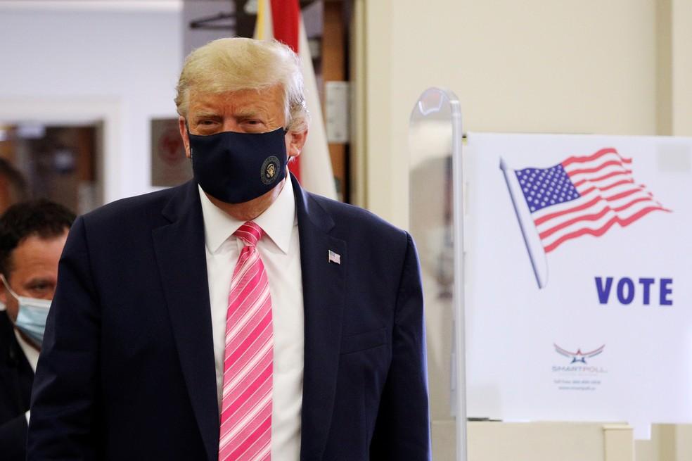 2020 10 24t143312z 1817678209 rc22pj9b1jax rtrmadp 3 usa election trump - 'QUESTIONÁVEL': Twitter e Facebook rotulam publicações de Trump nas eleições dos EUA