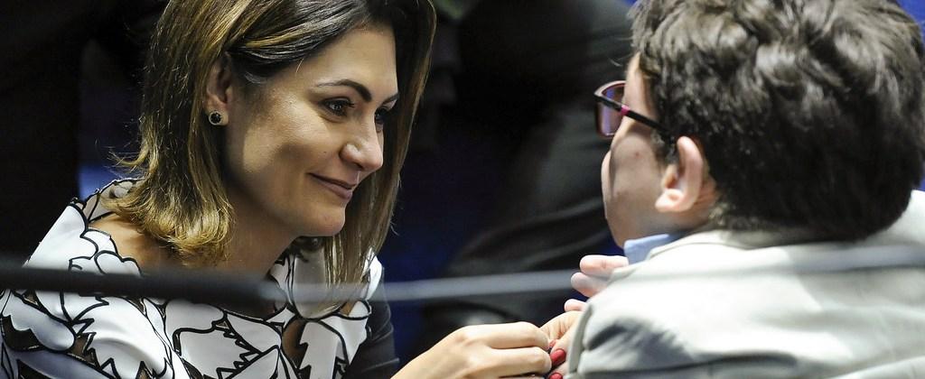 Michele Bolsonaro pede voto para candidato da Paraíba