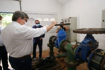 João Azevêdo inspeciona obras de abastecimento d'água, esporte, social e mobilidade urbana em Guarabira e Caldas Brandão