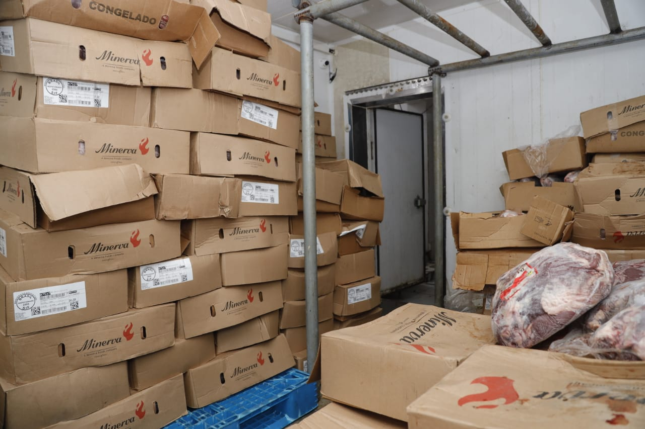 5 - Polícia Civil recupera em Bayeux carga de carne bovina avaliada em R$ 460 mil que foi roubada de Pernambuco