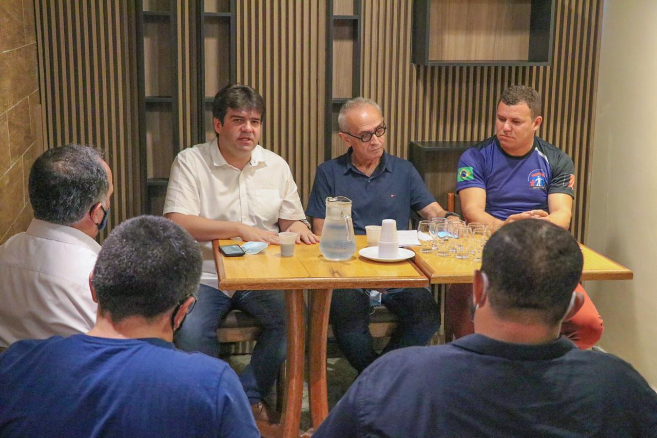 57362df3 25f7 44d9 ae8b 218cfafb4a45 - Eduardo e conselheiros tutelares se reúnem com Cícero para debater políticas públicas para crianças e adolescentes