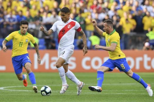 5d0e7fb587b1f - Adversário do Brasil nesta terça, Peru tem 4 suspeitas de Covid-19 no elenco
