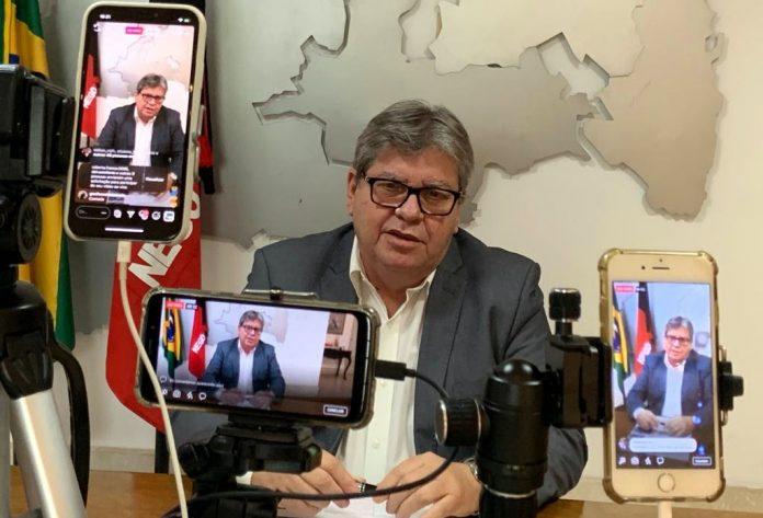 Joao Azevedo 696x473 1 - Maioria dos moradores de Patos aprova governo de João Azevedo