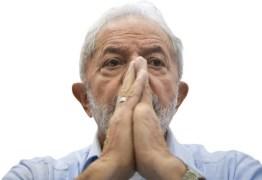 'SEM ILEGALIDADE': Fachin nega pedido de Lula para suspender processo do triplex no STJ