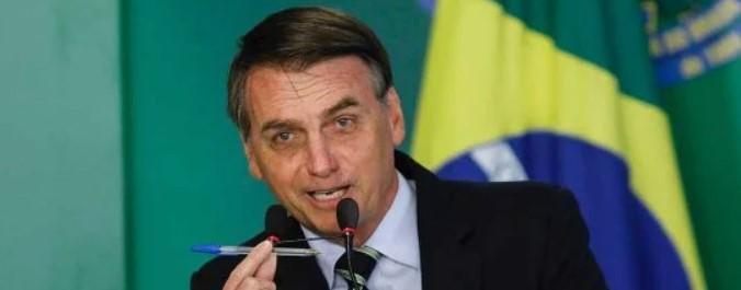 bolsonaro bic - 'PAGOU, ESTÁ NA FRENTE': Bolsonaro diz que pesquisas eleitorais não são confiáveis; VEJA VÍDEO