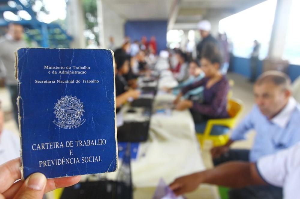 carteira claudio vieira 2 - Com o maior saldo do Nordeste, e em meio à pandemia, Paraíba gera quase 10 mil empregos